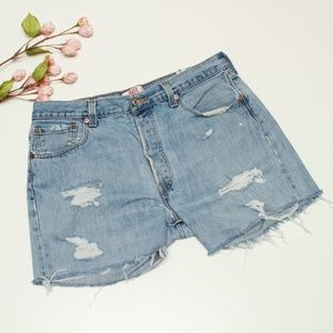 501 Levi's Button fly Cut off Jean Shorts